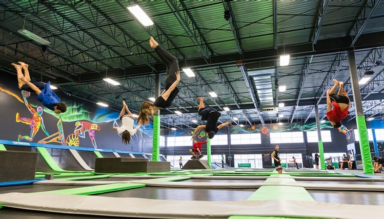 Soar through the Air at iSaute's Indoor Trampoline Park